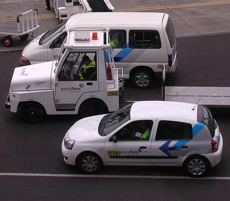 UVRotulacion de vehiculos aeropuerto