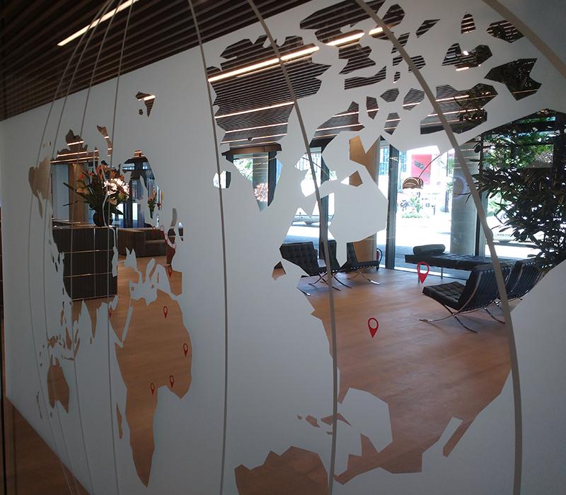 Instalaci n de vinilo al cido en barcelona for Ups oficinas barcelona